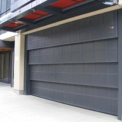Vertical Lift Aluminum Gate